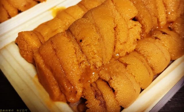 夏には『八食市場寿司』でウニの味比べをおすすめ